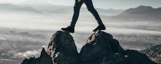 melompat dari tempat tinggi