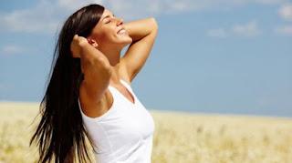 تعرض الوجه لحروق الشمس وأضرارها على البشرة وكيفية تجنبها وأهم الخلطات للوقاية من أشعة الشمس