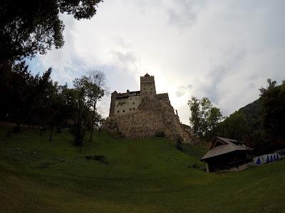 Mroczny zamek Draculi w Bran