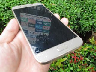 Samsung Galaxy A8 Seken Mulus Fullset 4G LTE Ram 2GB Camera 16MP