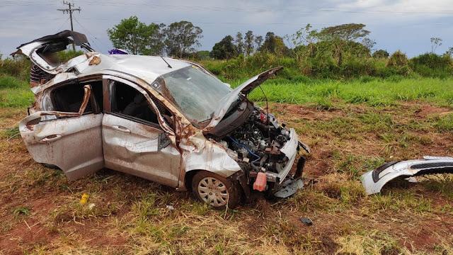 Motorista perde o controle da direção e capota carro na Rodovia Assis Chateaubriand