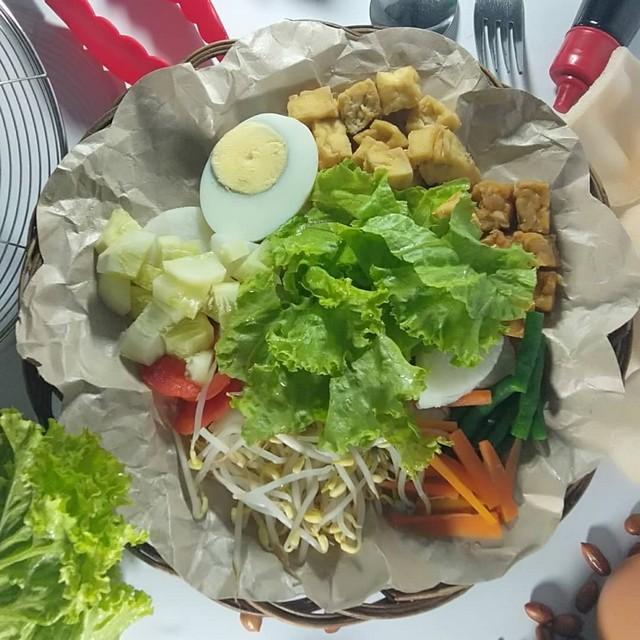 Gado-gado Rock n Roll, Pilihan Salad Tradisional di Kota Probolinggo