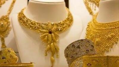 Merawat Perhiasan Tetap Berkilau