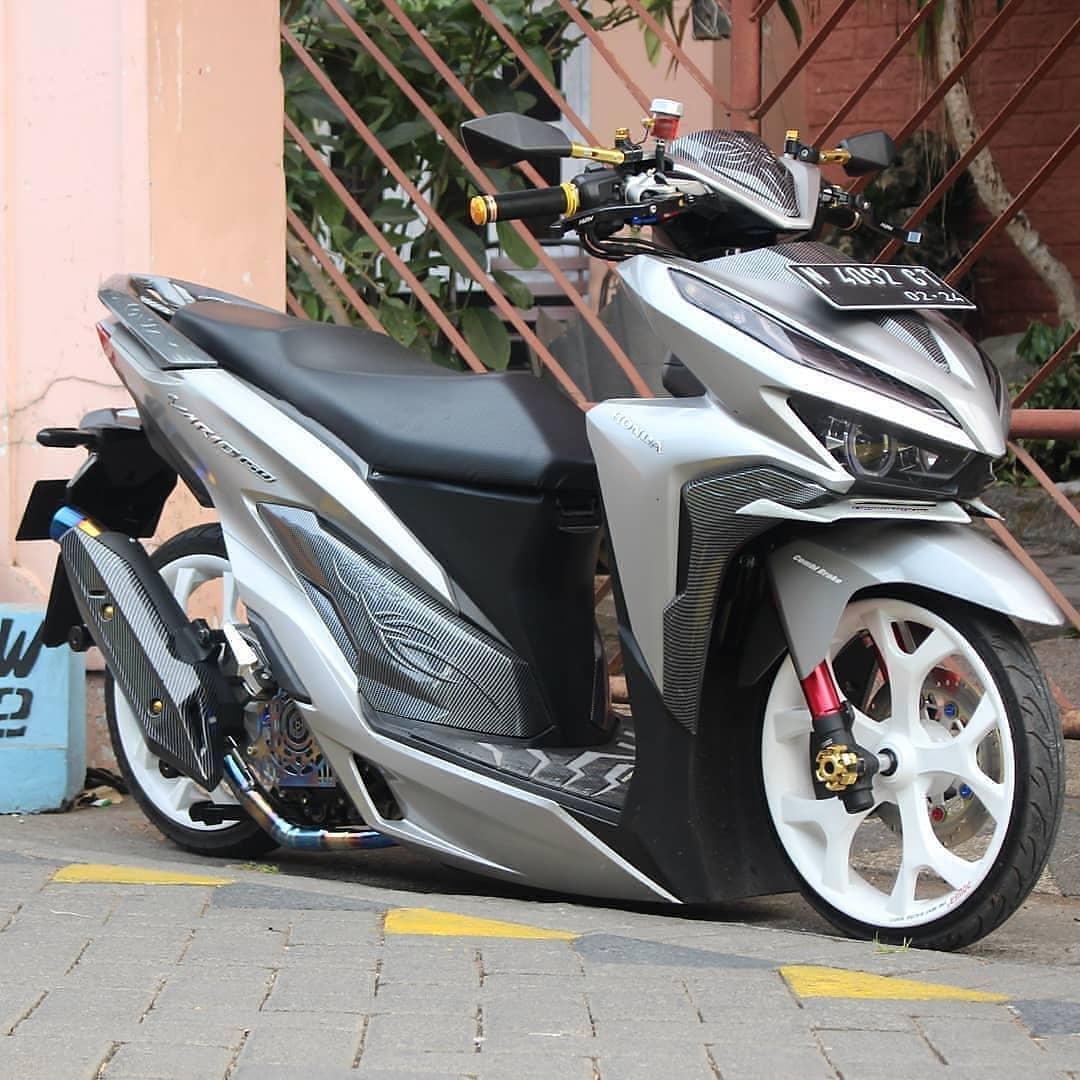 Modifikasi Futuristik Honda Vario 150 Kaki Kaki Pakai Air Suspension