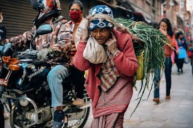 COVID-19 dan Bayang-bayang Kemiskinan