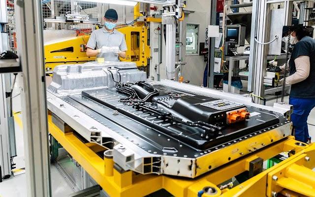 No es suficiente: en 2030 la demanda de baterías para coches eléctricos superará a la oferta