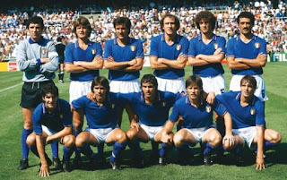 Dino Zoff, back row, left, with the Italian national team at the 1982 World Cup finals