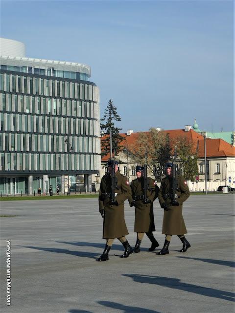 cambio de guardia en el Soldado Desconocido Varsovia