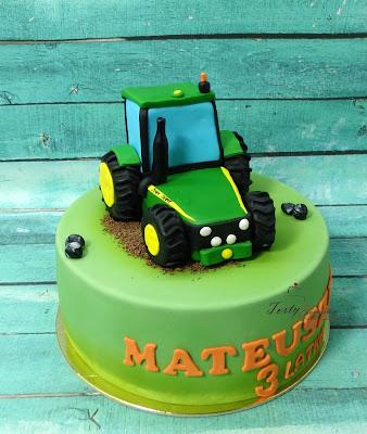 tort z zielonym traktorem