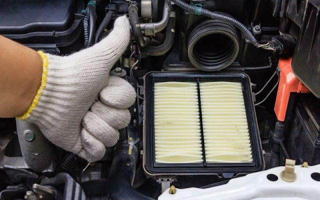 Vệ sinh lọc gió động cơ giúp tránh gây hỏng hóc, hao mòn cho động cơ xe