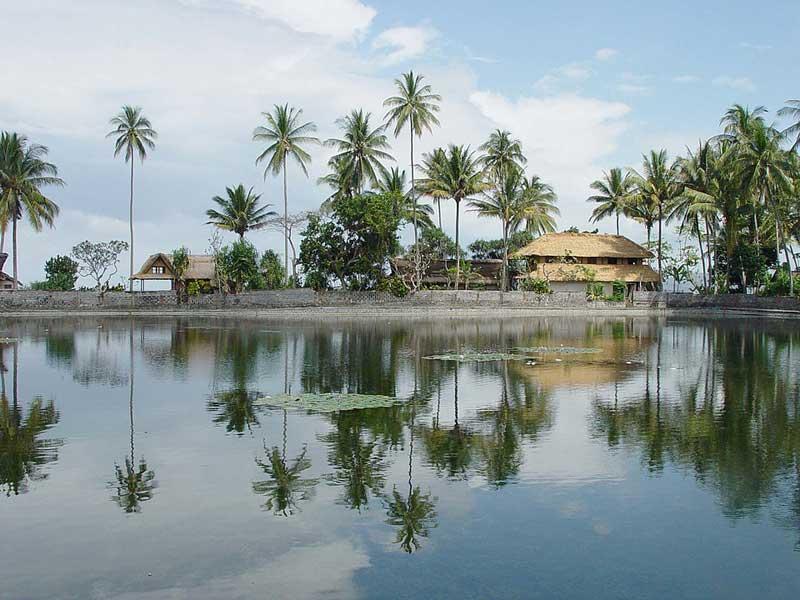 Fasilitas Wisata Pantai Candidasa Karangasem