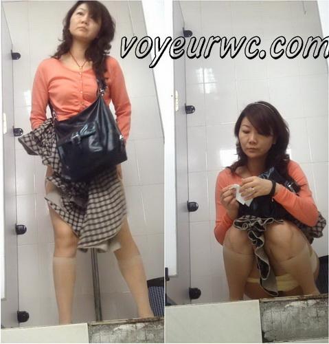 ShareVoyeur 406-420 (College toilet caught on voyeur)