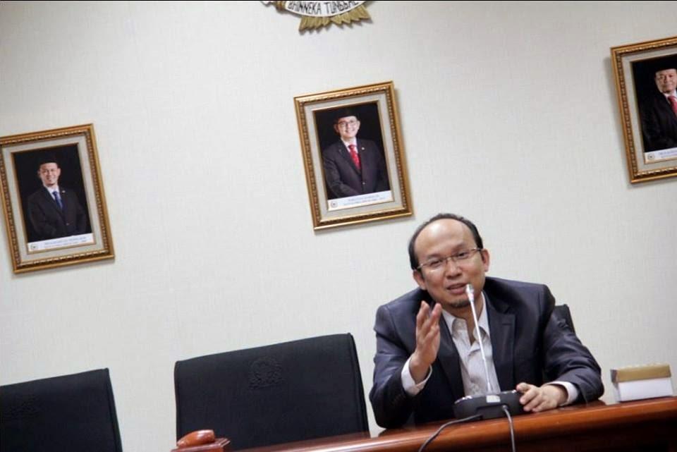 Jokowi Tinggalkan IMF dan Bank Dunia, Tapi berhutang ke Tiongkok