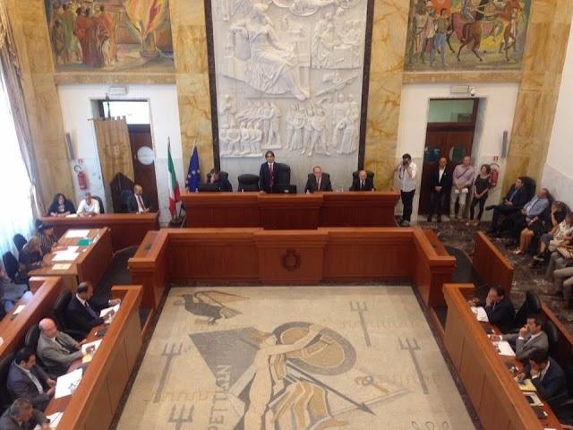 """REGGIO CALABRIA. Democratici metropolitani: """"I consiglieri comunali di Forza Italia chiamino la Governatrice Iole Santelli"""""""
