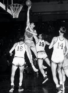 Kural değiştiren basketbolcular - George Mikan
