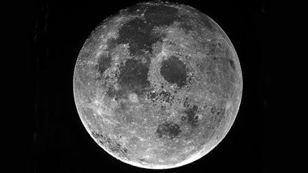 Σελήνη: Ο φύλακας άγγελος του πλανήτη μας