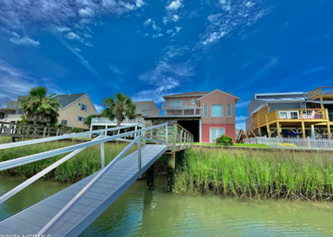Canal Front Home / Ocean Isle Beach Island