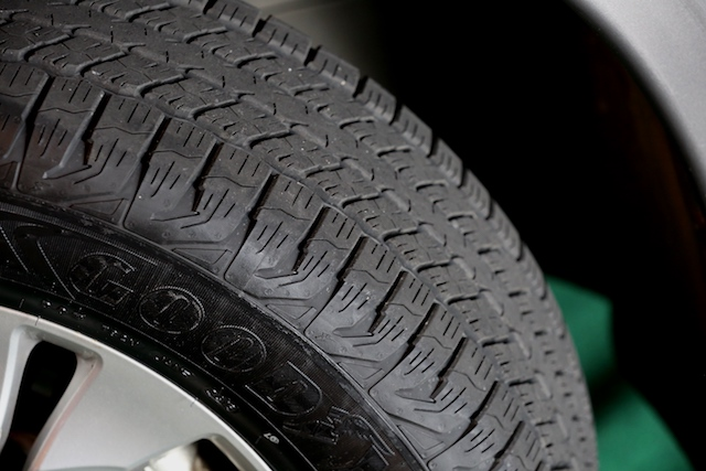 Superior Braking Performance, the Wrangler TripleMax comes with large blocks and biting edges, providing an increased road contact for better braking and grip on both wet and dry roads.