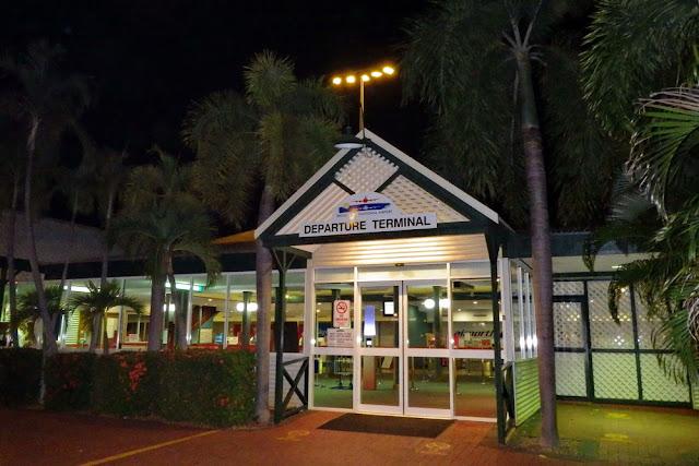 Flugangst Broome Airport Flughafen Nachtflug Departure Terminal