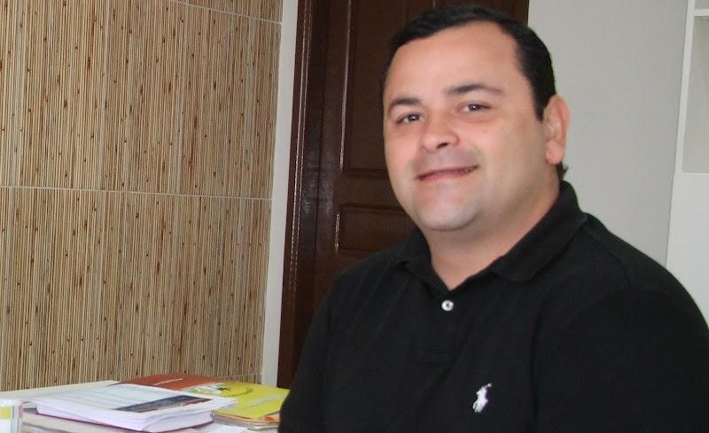 Deputado Vinicius Louro confirma recuperação da estrada que liga Trizidela do Vale a São Luís Gonzaga