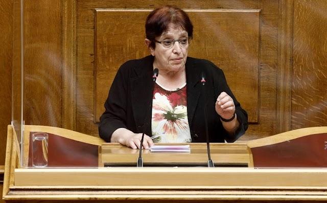 Παπαρήγα: Η ΝΔ δείχνει πολύ καθαρά το πρόσωπό της με αυτό το νομοσχέδιο