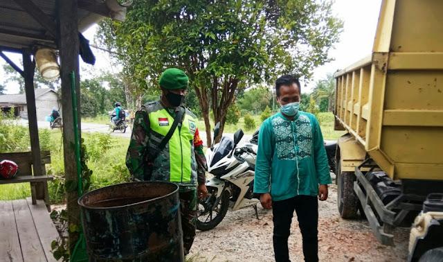 Lakukan Komsos, Babinsa Desa Tapau Sosialisasikan Pancasila Sebagai Dasar Negara