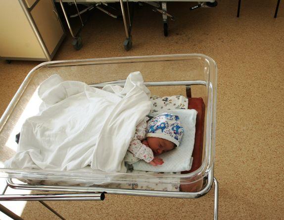 Шесть лет биться за возможность зачать – и бросить малыша в роддоме, что у людей в голове?