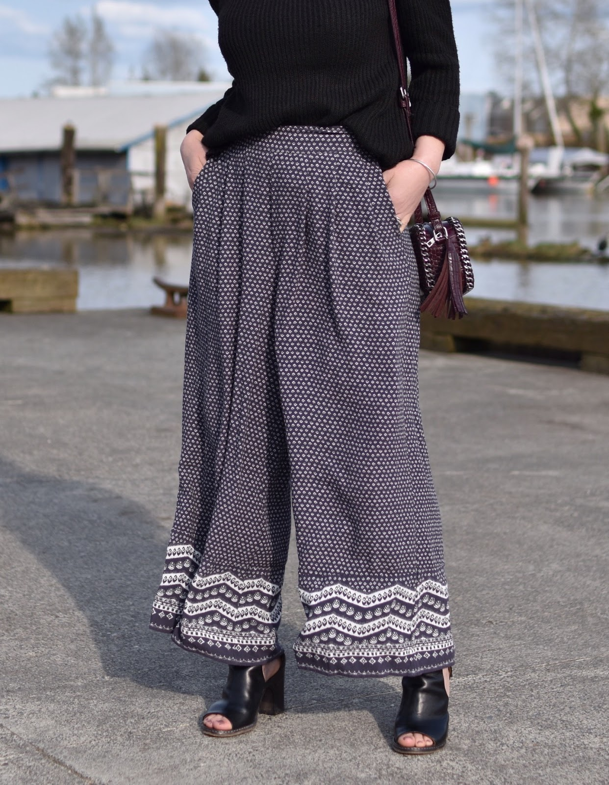Monika Faulkner outfit inspiration - patterned cropped palazzos, cut-out booties