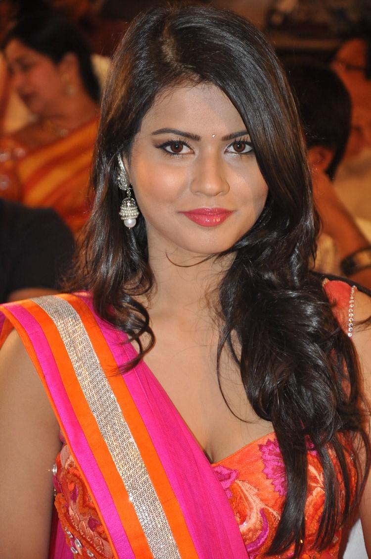 Sharmila mandre in ethnic pink lehenga choli Florence Embroidered HD images