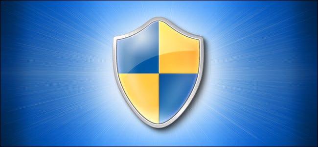 رمز شعار Windows 10 Shield على خلفية زرقاء