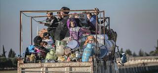 """خلال 24ساعة..نزوح 12 ألف سوري جراء قصف النظام وروسيا على """"خفض التصعيد"""""""