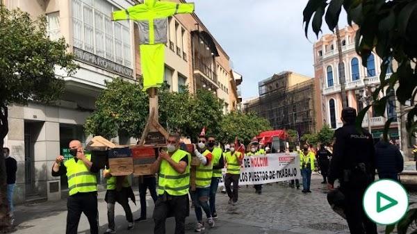 Hacen una procesión en Jerez para reírse de los católicos