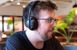 تعد سماعات Bose 700 المانعة للضوضاء أرخص من أي وقت مضى في Nordstrom