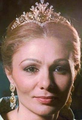 yellow diamond tiara iran empress farah diba pahlavi van cleef and arpels