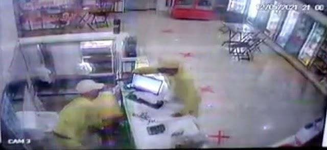 Assaltante atira em comparsa durante  assalto a padaria em Teresina; Vídeo