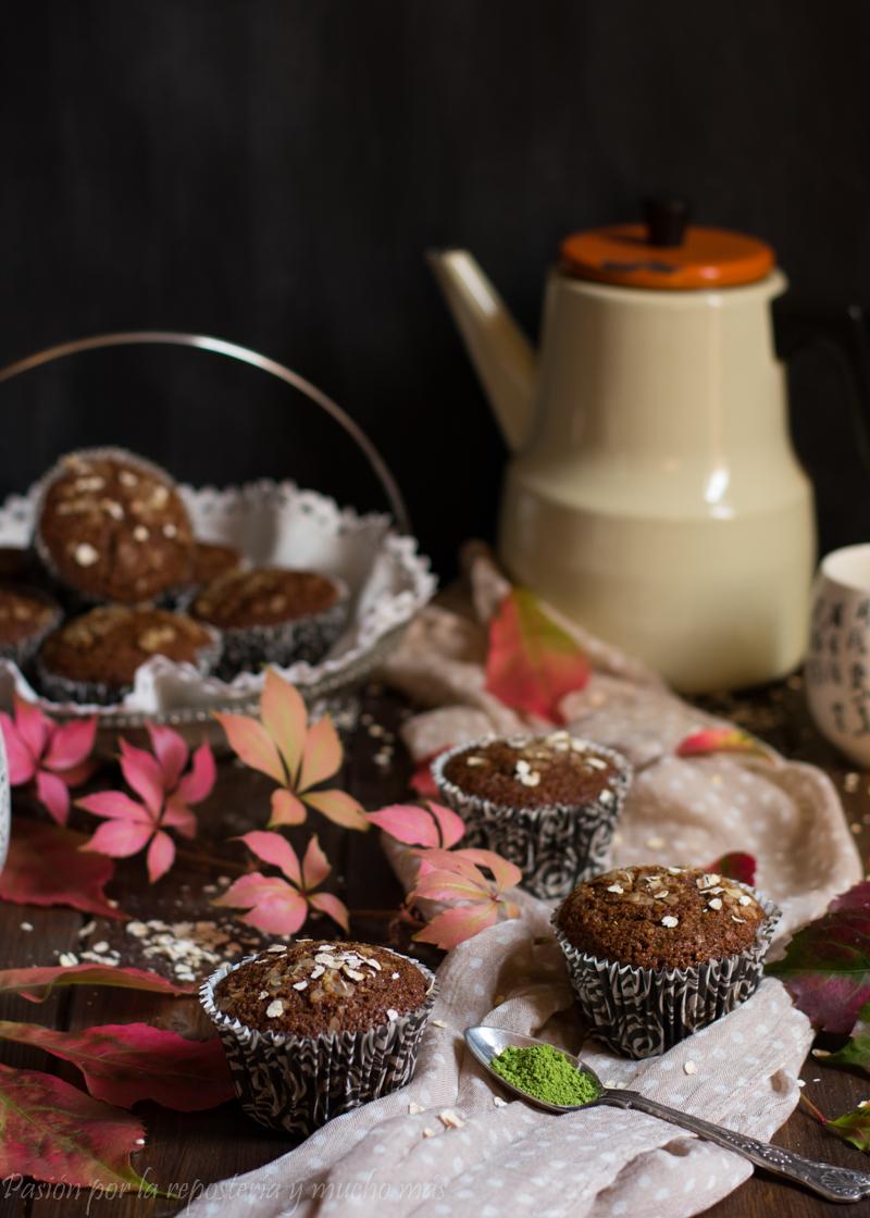 Muffin integrales de avena y té matcha