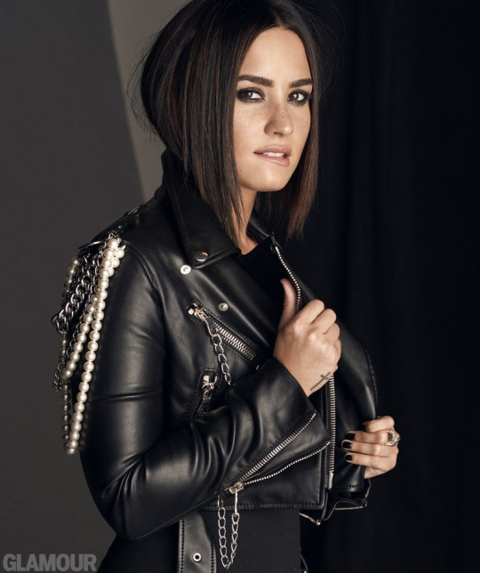 Demi Lovato para Glamour Magazine (Fotos + Entrevista)