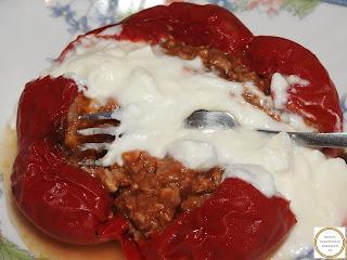 Gogosari umpluti cu carne tocata la cuptor reteta,