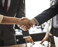 Pengertian Holding Company, Aspek, Ciri, Tujuan, Manfaat, Cara Kerja, Kelebihan, Kekurangan, dan Contohnya