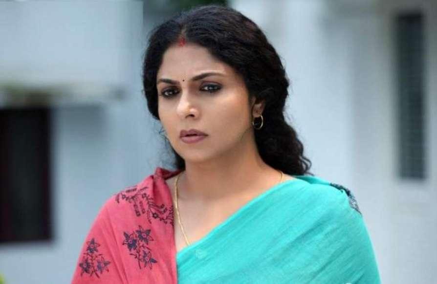 Mallu Actress Asha Sarath Hot Latest Photos, Asha Sarath, Hot Saree Pics, Malayalam, Saree Photos