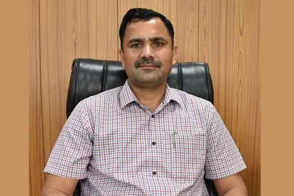 faridabad-dc-yashpal-yadav-aware-loan-for-self-employed-women