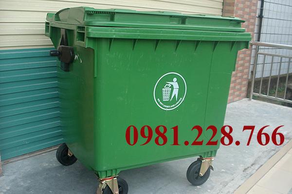 giá thùng rác công nghiệp
