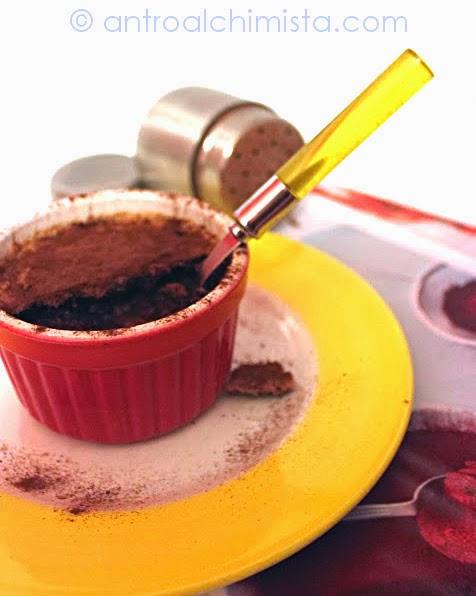 Budinetti al Cioccolato con Crumble alle Fave di Cacao