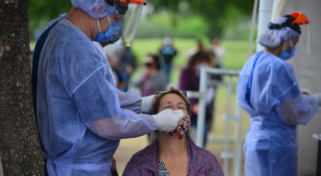 El Gobierno estima que los casos de coronavirus podrían llegar a 30 mil por día