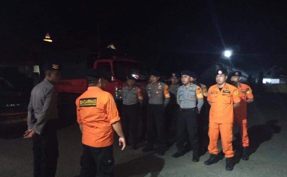 Ada Apa? SAR Yon C Pelopor Sat Brimob Polda Sulsel Bersama Basarnas Bone Cari Mantan Ketua PPS Desa Kampala