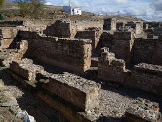 Curia y Basílica. Ciudad romana de Valeria