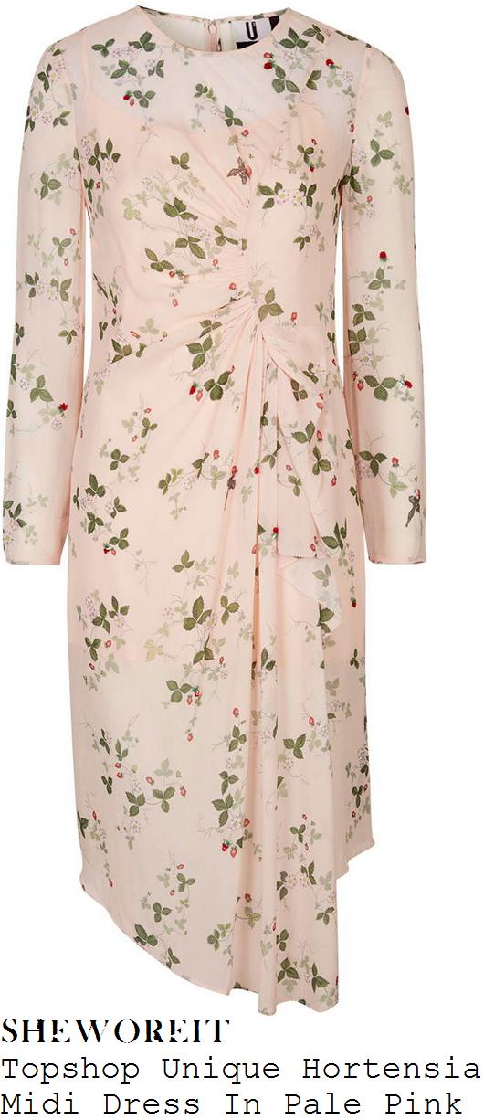 suki-waterhouse-topshop-unique-hortensia-pale-pink-strawberry-floral-blackbird-garden-print-long-sleeve-ruffle-front-split-silk-midi-dress-lfw