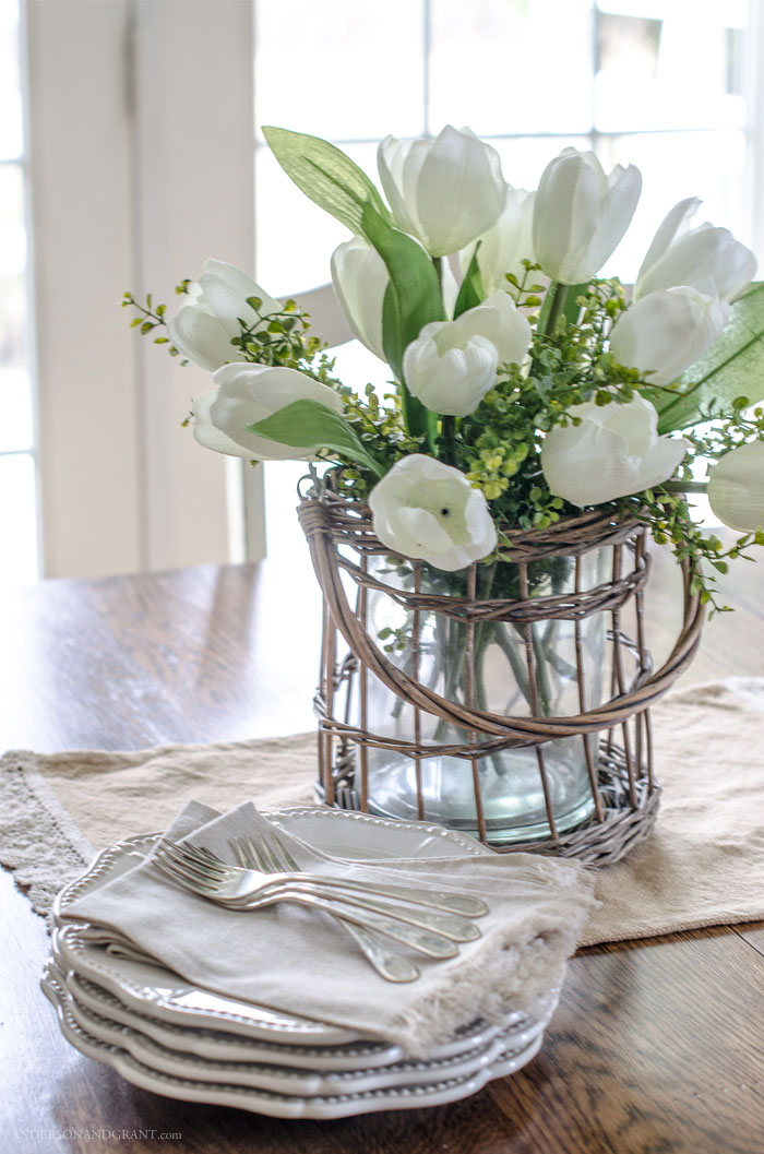 Want to learn how to make your fake flowers look like a realistic arrangement?  #flowerarranging #flowers #decorating101 #andersonandgrant
