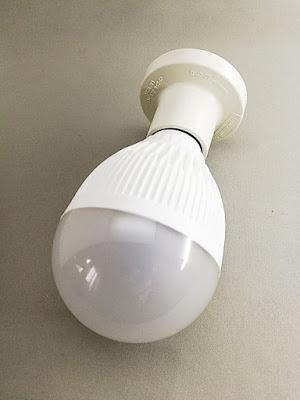 LEDセンサー電球+引掛レセップキャップ