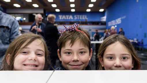 Trois enfants présents au Tata Steel